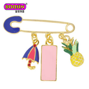 Wholesale Fashion Accessories Fancy Gold Plated Lovely Custom Pins with Charms pictures & photos