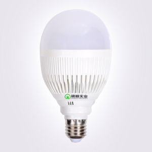 LED Bulb Light A60 7W9w12W High Quality Ce RoHS pictures & photos