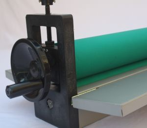 """LBS 650mm 25.5"""" Manual Cold Roll Laminating Machine pictures & photos"""