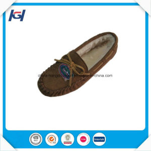Very Popular Foot Warmers Comfort Lazy Moccasin Slippers for Women pictures & photos