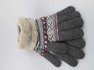 Acrylic Knitted Gloves, iTouch Screen Gloves, Winter Gloves with Fur Inside pictures & photos