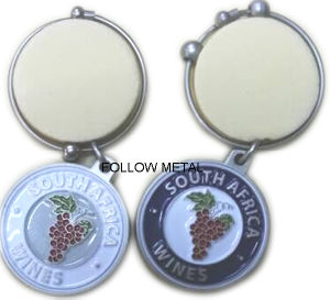 Customized Wine Ornament for Golf Links with Different Color pictures & photos