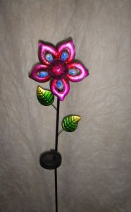 Flower Shape Metal Garden Decor Solar Light Craftt pictures & photos