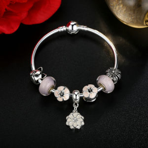 Trendy White Flower Pendant & Pink Murano Beads Bracelets pictures & photos