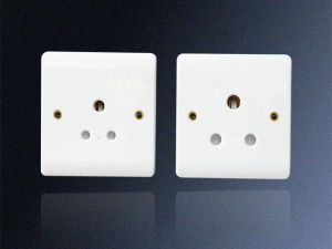 15A 1 Gang UK Round-Pin Socket Outlet