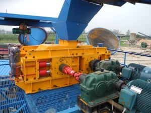 Mining Equipment Hydraulic Roll/Roller Crusher for Fine Crushing and Grinding pictures & photos