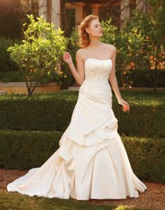 Wedding Dress, Bridal Gowns With Beautiful Embroidery (2047)