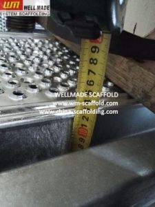 Layher Scaffolding Work Platform Galvanised Steel Scaffolding Planks pictures & photos