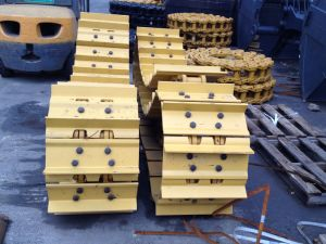 High Quality Bulldozer Construction Machinery Track Shoe for Komatsu D50 pictures & photos