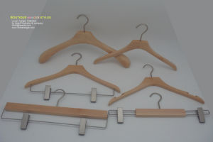 Discount Price Wooden Clothes Hanger Hangers for Jeans pictures & photos