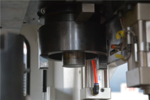 D-T30 16/24/32 CNC Turret Punching Machine with 2 Auto-Index pictures & photos