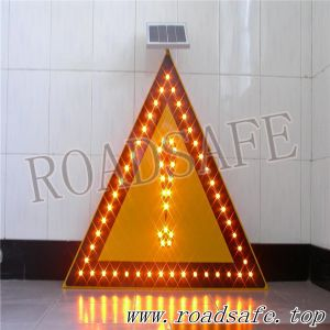 Roadsafe Traffic Warning Triangle Car Emergency Reflective Sign pictures & photos