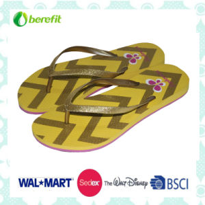 PE Sole and PVC Straps with Logo, Women′s Flipflops pictures & photos