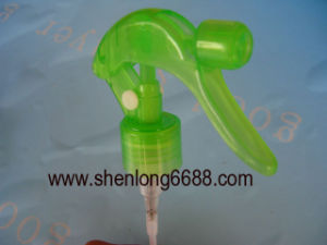 Green Plastic Dispenser Trigger Sparayer for Cleaning 24mm pictures & photos