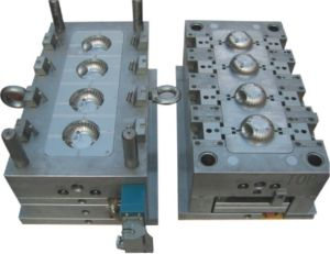 Plastic Injection Mould/ Die Casting Mould/ Auto Parts Mold pictures & photos