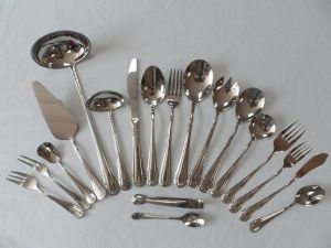 72-130PCS Stainless Steel Cutlery Set pictures & photos