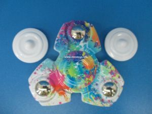 Factory Wholesale Tri Spinner Hand Spinner Toy (1070705) pictures & photos