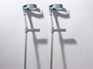 Arm and Leg Adjustable Aluminum Crutches pictures & photos