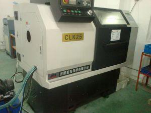 High Precision Linear Guideway CNC Lathe Cak625/Clk25 pictures & photos