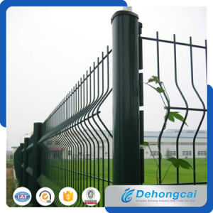 High Quantity PVC Coated Ornamental Wrought Iron Wire Mesh Fence pictures & photos