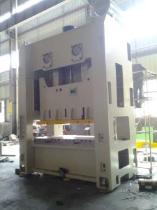 Kemade Akm-200 Ton Press Machine with PLC, Hydraulic Overload Protector and Wet Clutch