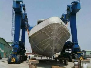 Rubber Tyred Mobile Boat Hoist Gantry Crane pictures & photos