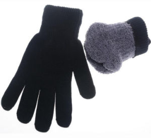 High Quality Knitted Gloves for Men pictures & photos