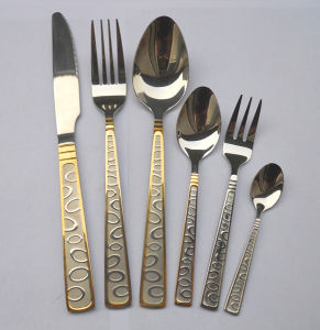 Stainless Steel Mirror Polish Flatware 5PCS Set with Customized Logo pictures & photos