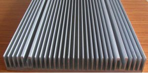 Customized 6000 Alloy Aluminium Extruded Radiator Heat Sink with Machining pictures & photos