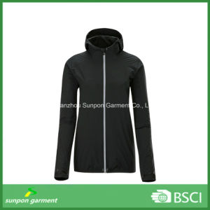 Light Weight Windbreaker with Foldable Design pictures & photos