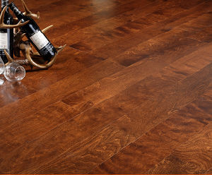 Birch Engineered Wood Flooring/ Multilayer Flooring Brown Color pictures & photos