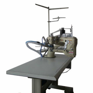 Four Needle Six Thread High-Speed Sewing Machine pictures & photos