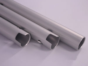 Aluminum/Aluminium Alloy Extrusion Tube/Pipe for Automible Parts pictures & photos