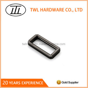 Zinc Alloy Frame Ring Buckle with High Quality pictures & photos