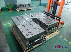 Auto Parts Progressive Die Mould and Tooling pictures & photos