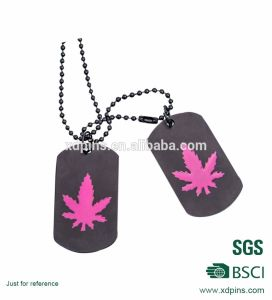 Customized Metal Soft Enamel Maple Leaf Spray Dog Tag Chain pictures & photos
