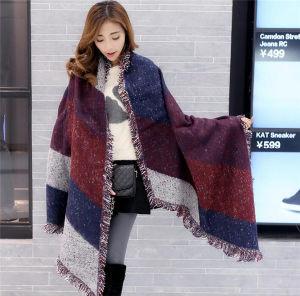 2016 Fashion Ethnic Style Cashmere Warm Fringed Plaid Shawl (50186) pictures & photos