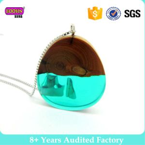 2017 Colorful Clear Green Resin Wood Charm Pendant Necklace Decorative Jewelry pictures & photos