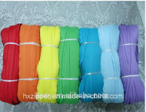 High Quality Nylon Coil Zipper for Garment, Bags, Shoes, Luggage