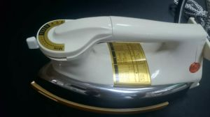 Nmt-N79b Golden Soleplate Electric Dry Iron pictures & photos