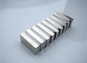 High Quality Strong Strip NdFeB Magnet N35 pictures & photos
