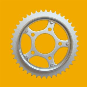 China Factory Price Sprocket, Motorcycle Sprocket with Mortorcycle Chain Kit pictures & photos
