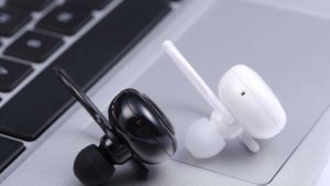 Universal Stereo Wireless Bluetooth Headphone Earphone Mobile Phone Accessories pictures & photos