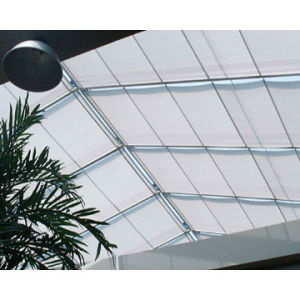 Toma Top Quality Motorised Roof Sunshade pictures & photos