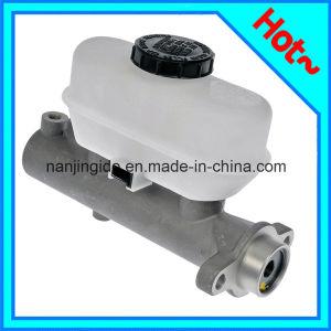 Brake Master Cylinder for Renault Megane 390337 7701205213 7701204966 pictures & photos