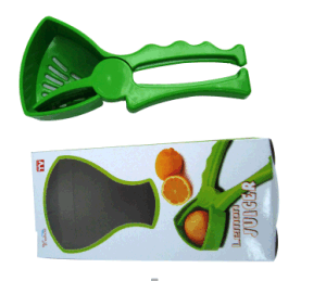 Plastic Lemon Juicer/ Orange Squeezer/ Manual Citrus Juicer pictures & photos