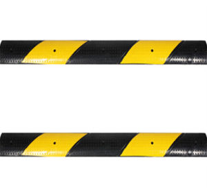 Black and Yellow Reflective Rubber Speed Hump pictures & photos