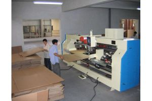 Hot Sale Semi-Automatic Carton Box Stitching Machine pictures & photos
