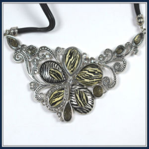New Item Fashion Flower Necklace pictures & photos