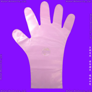 Disposable Medical PE Gloves pictures & photos